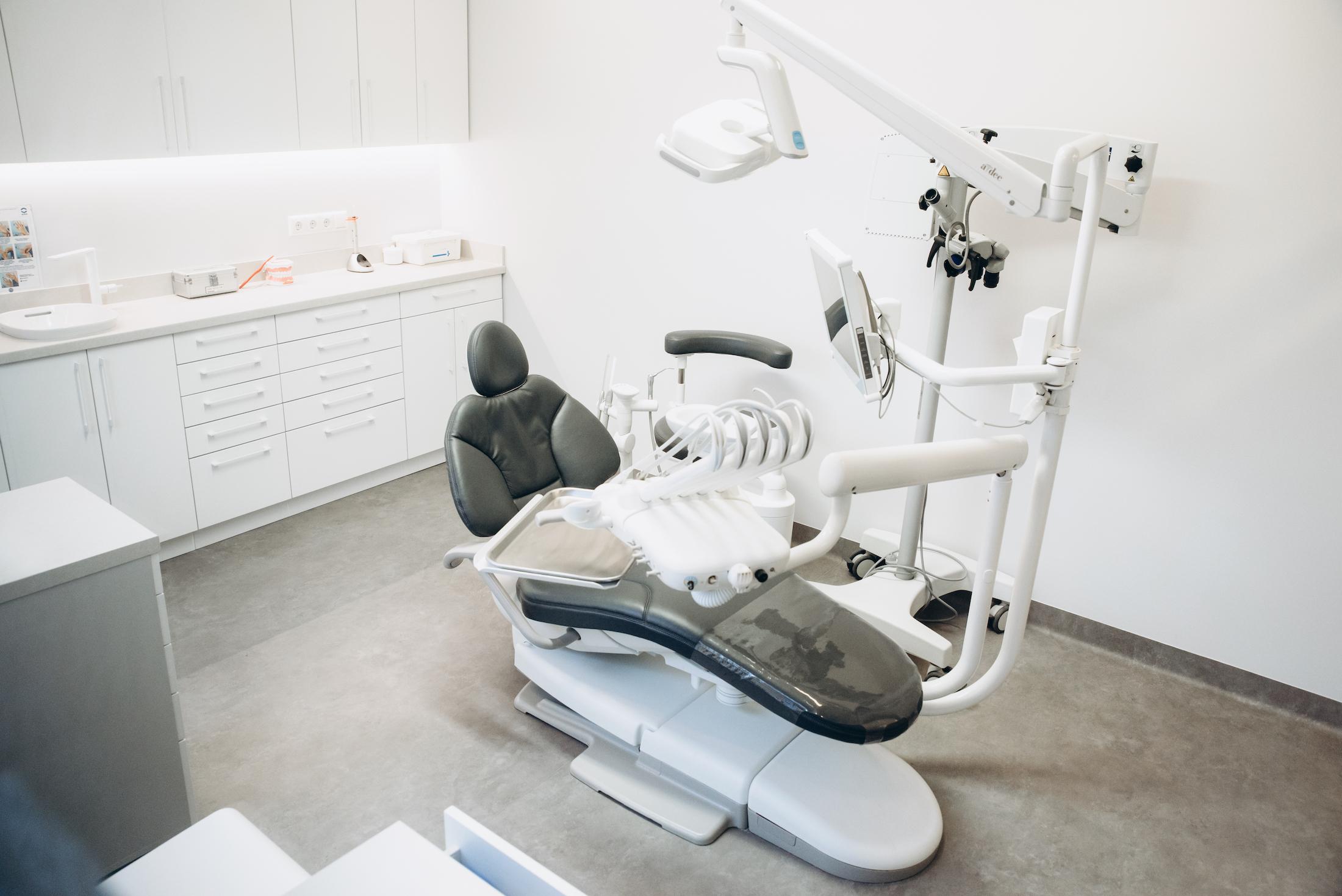 Odontologijos klinikos Fabrica dentis įranga